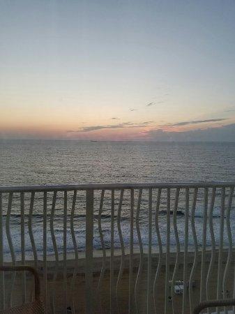Hilton Virginia Beach Oceanfront: 20160830_062042_large.jpg