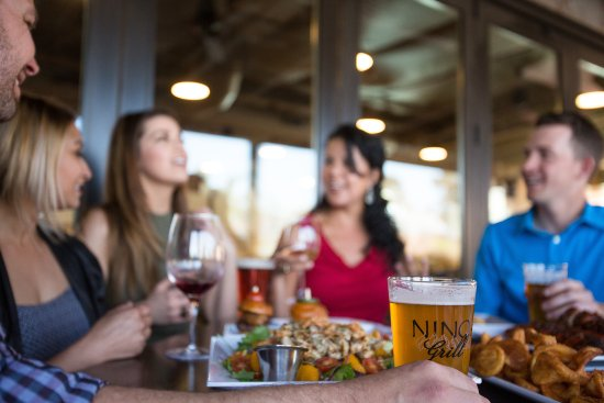Templeton, Kalifornia: Enjoy indoor, or patio seating