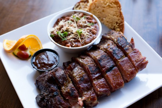 Templeton, แคลิฟอร์เนีย: Delicious ribs, cooked on the smoker