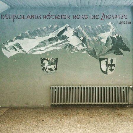Alpspitz: Artwork in the station