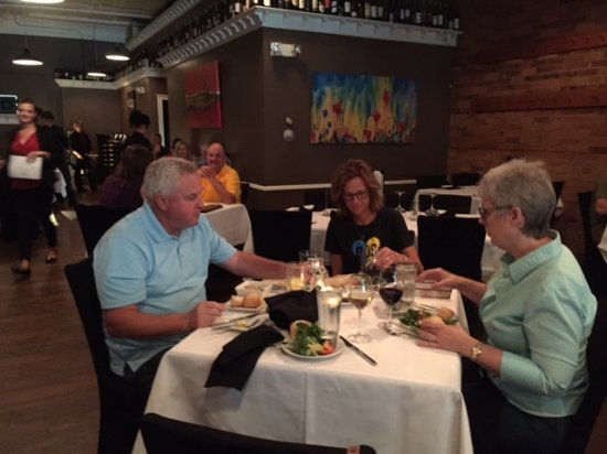 Brickhouse Grille : Fine downtown dining