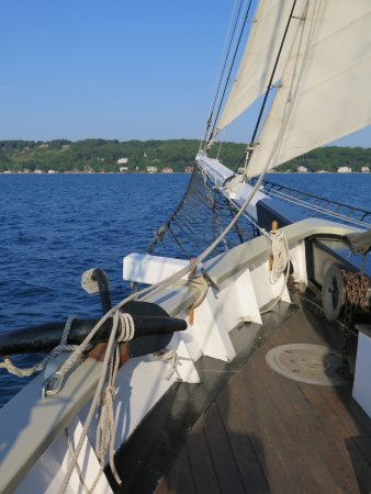 Tall Ship Manitou - Day Tours: View off the bow