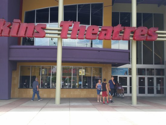 Prescott Valley, AZ: Entrance to Harkins Theaters