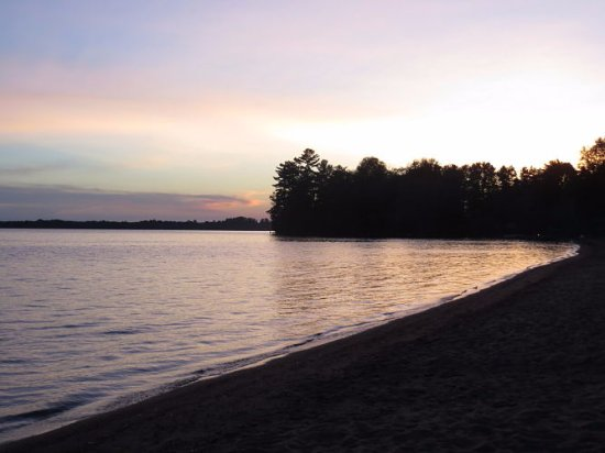 Sands on Golden Lake: Gorgeous sunset
