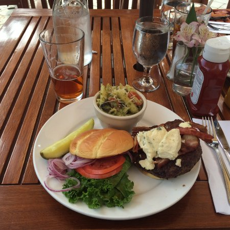 The Snorting Elk Cellar: Blu Cheese & Bacon Burger