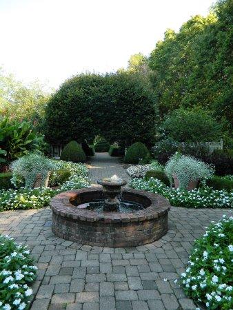 Wegerzyn gardens metropark dayton oh updated 2018 top - Dayton home and garden show 2017 ...