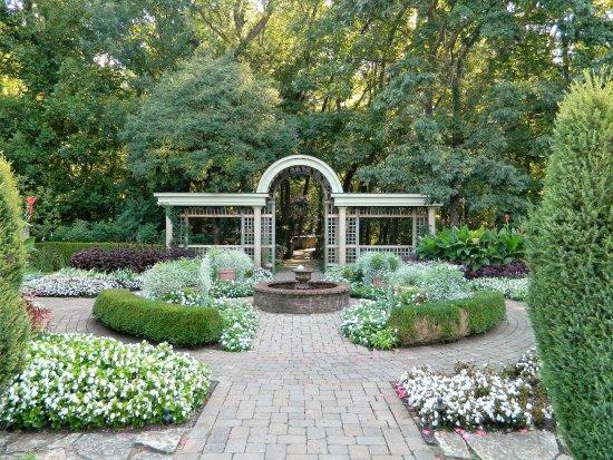Wegerzyn Gardens MetroPark