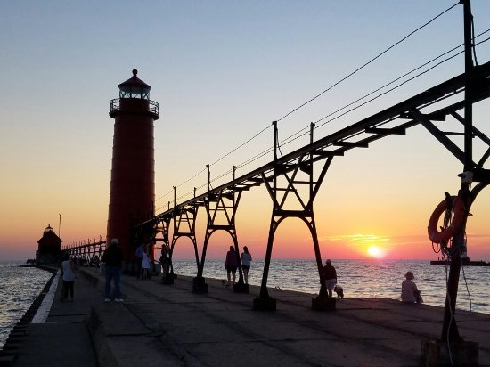 Grand Haven Lighthouse and Pier: 20160816_203904_large.jpg