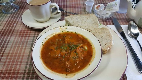 Winkler, Kanada: Tortellini soup with a half egg salad sandwich and a cup of tea.