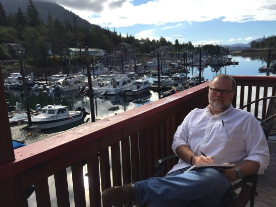 Blue Heron Inn: Deck overlooking the Craig boat harbor