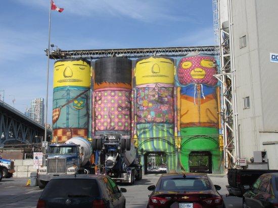 Granville Giants Murals