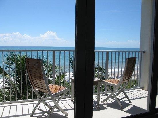 Costa d'Este Beach Resort & Spa : upper floor balcony ocean front room.