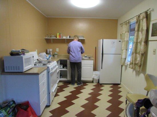 آيلاند أكريس ريزورت موتل: Full kitchen