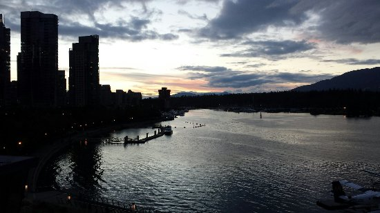 Coal Harbour, Canada: Central and great for a sunset