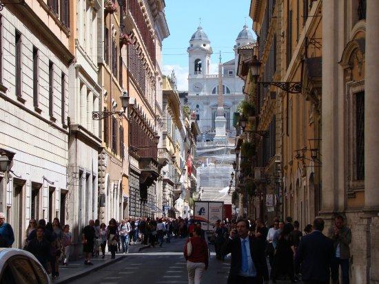72a1fd2c2fc vista da Piazza di Spagna - Foto di Via Condotti, Roma - TripAdvisor