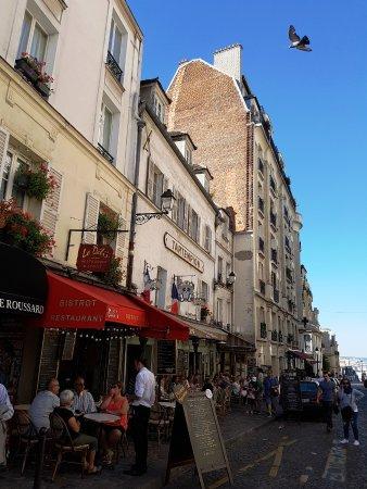 ปารีส, ฝรั่งเศส: Place du Tertre!! Génial