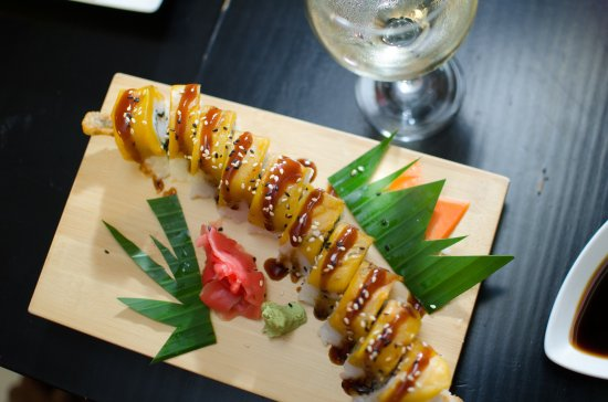 Yamazato Sushi: Tropical Roll
