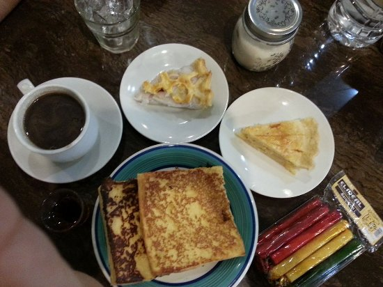 Negros Island, Filipinas: French Toast, Pies, Chocolate Tablea and some delicacies