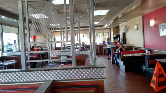 Kettleman City, CA: Dining area