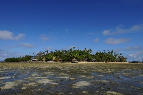 Toberua, Fiji: The island is tidal, like most of Fiji, the beach disappears during siesta time.