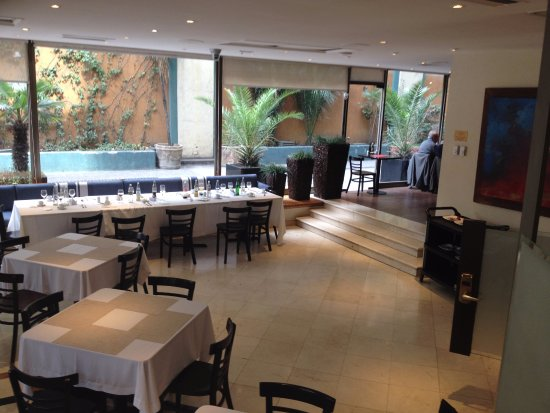 Hotel Neruda: cómodo y muy luminoso