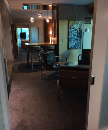 Mandalay Bay Resort U0026 Casino: 2 Bedroom Queen Suite Living Area. 👍🏼