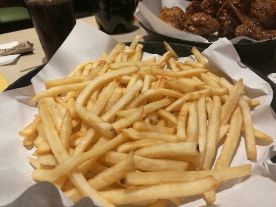 Santa Catarina Pinula, กัวเตมาลา: La mejor opcion alitas campero y un helado de postre