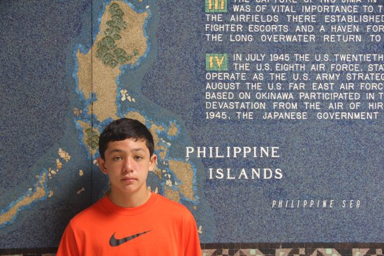 Manila American Cemetery and Memorial: Historical Events during WW2 on the walls