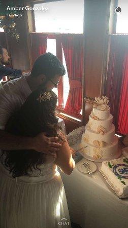 เอลคาโฮน, แคลิฟอร์เนีย: Our incredible wedding cake