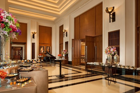 The Peninsula Bangkok: Meetin & Event - Ballroom foyer
