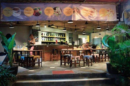 Central Hostel: Restaurant