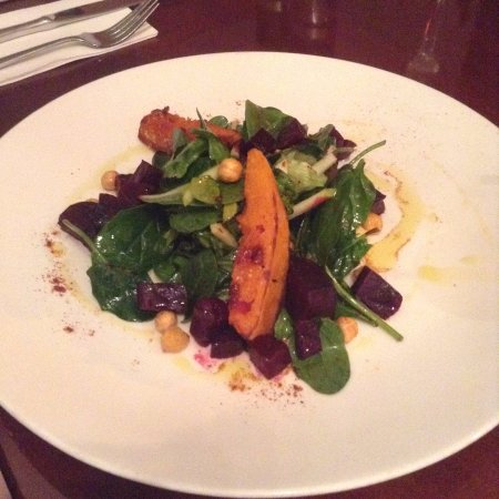 Timaru, Nowa Zelandia: Roast pumpkin salad. This isn't on the menu, it was made specially for me because I'm vegan.