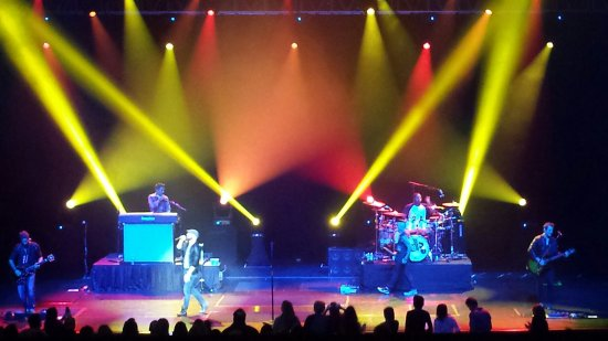 Prior Lake, MN: Amazing concerts and shows!