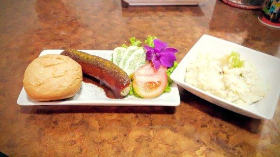 Ban Chang, Thailand: Currywurst & Kartoffelsalat