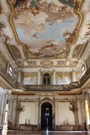Stra, Italië: Salone centrale affrescato da Tiepolo