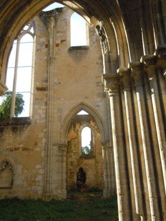 Dammarie-les-Lys, Γαλλία: Vue intérieure en longueur, autre côté
