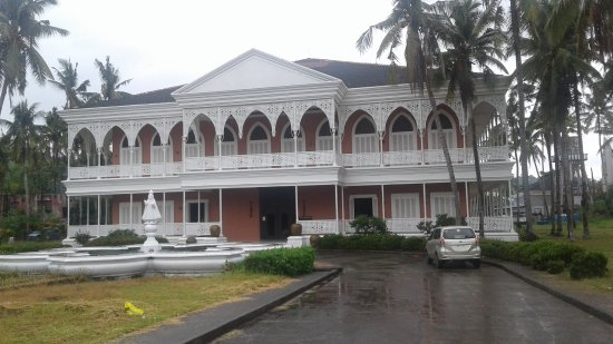Sto. Nino Shrine and Heritage Museum : View from the street