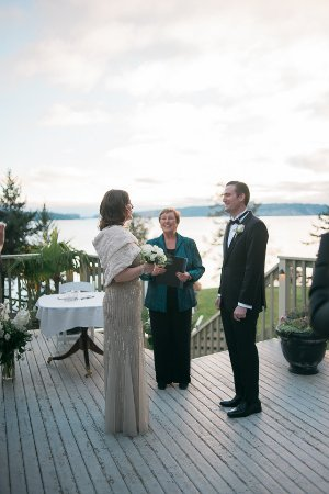 Halfmoon Bay, แคนาดา: Winter wedding on outside deck