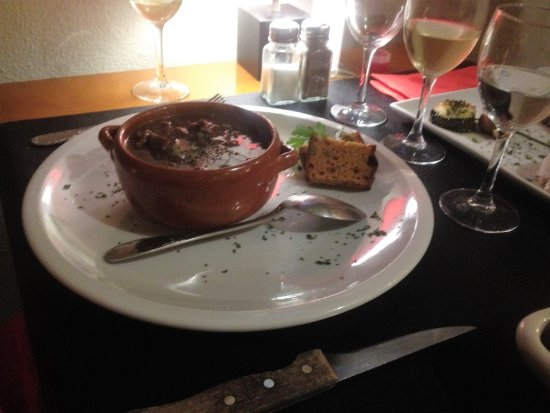 Axat, Francia: Slow cooked beef stew main