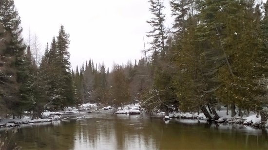 East Jordan, MI: Beautiful view of the Jordan River in the winter