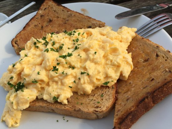 Deepdale Cafe: Really lovely scrambled egg on toast