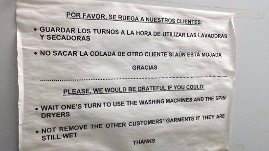 Apartamentos Playa Barbate : Indicación sobre uso lavandería