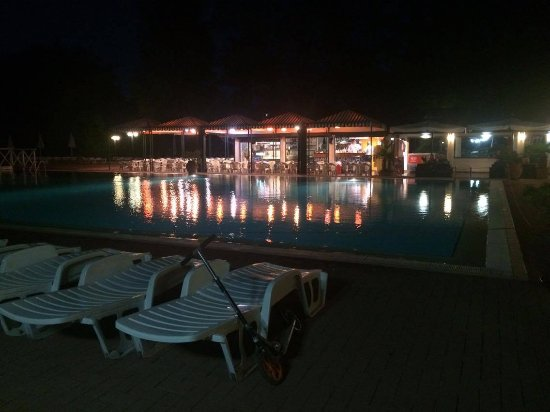 Isamar Holiday Village: Kleiner Pool
