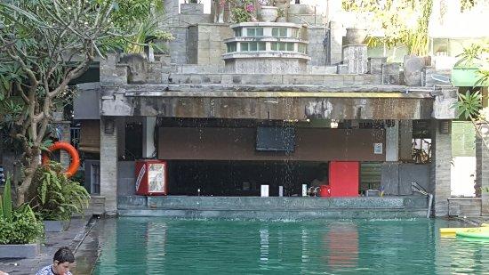 Champlung Mas Hotel: 20160906_161209_large.jpg