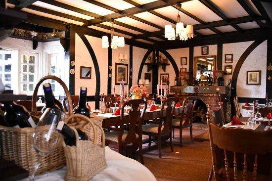 Planters Country Hotel & Restaurant: The British-India Restaurant