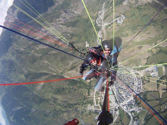 Castejon de Sos, Spanyol: Tandem parapente sobre Benasque Cerler
