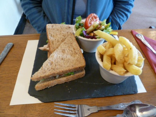 Penybont, UK: Club sandwich meal