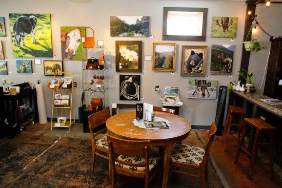 Dayton, WY: Variety of artisits