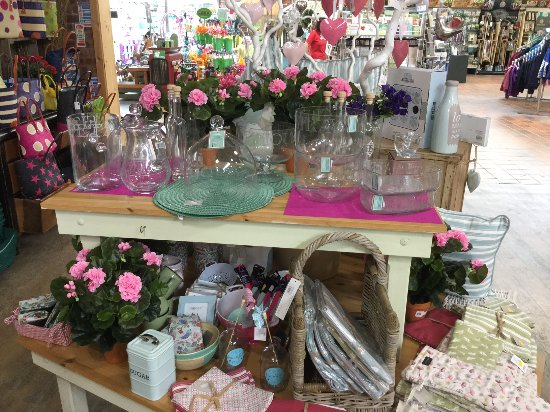 Holt, UK: Bellis Brothers Farm Shop and Garden Centre