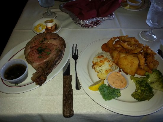 West Coxsackie, NY: Filet Mignon, Mashed Potatoes, Shrimp, Scallops, Clams, Fish, Broccoli